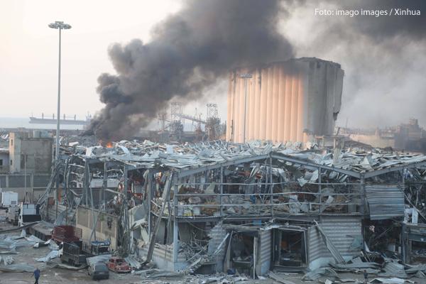 Der Hafen von Beirut ist nach einer schweren Explosion zerstört. Foto: imago images / Xinhua