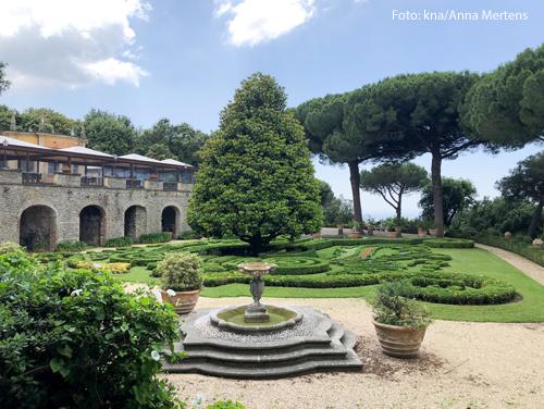 Die Gärten auf dem Gelände der Päpstlichen Villen in Castel Gandolfo