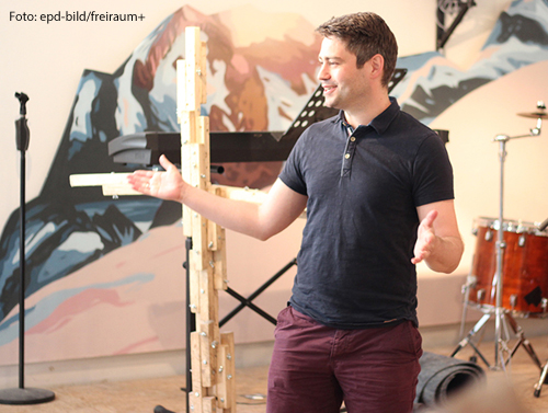 """Niklas Ermen von der Initiative """"freiraum+"""": Die Gruppe sucht nach Gottesdienstformen, die vor allem jüngere Leute anziehen sollen."""