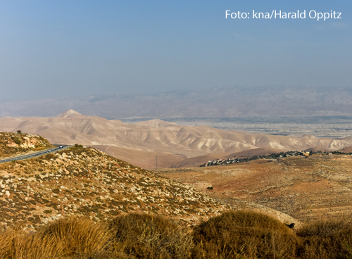 Eine hügelige Wüste in Jericho