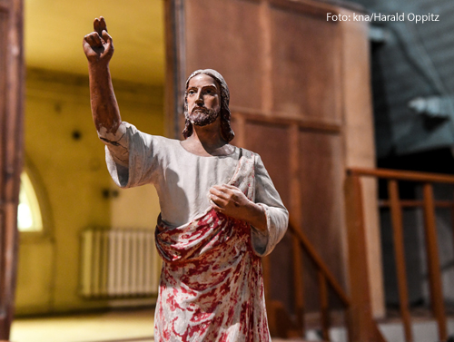 Eine Statue von Jesus