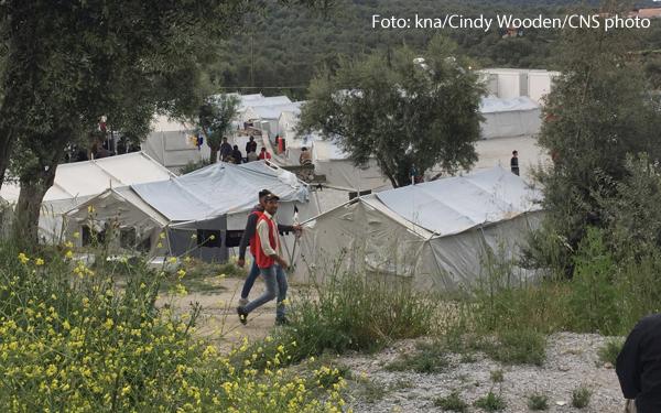 Tausende Geflüchtete leben im Lager Moria unter erbärmlichen Bedingungen.