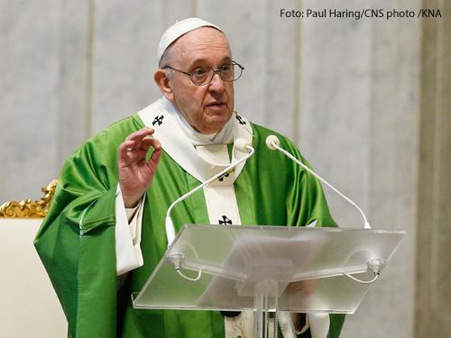 Papst Franziskus bei einer Predigt zum Welttag der Armen am 15. November