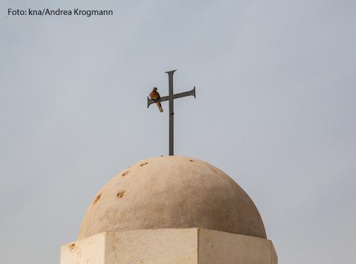 Die Kuppel mit einem Kreuz der Kirche Sankt Johannes der Täufer an der Taufstelle Qasr al-Yahud auf dem Gelände der Franziskaner am Jordan in Israel am 11. März 2021.