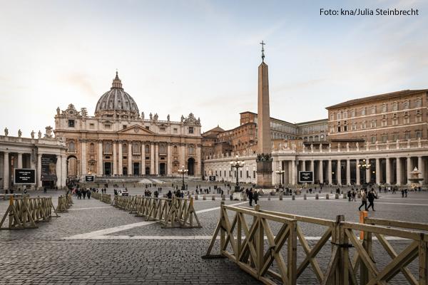 Der Vatikan stoppt die Gemeindereformen.