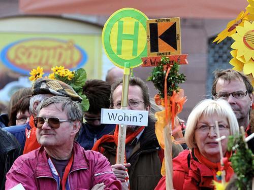 Menschen bei der Eröffnung des Katholikentags