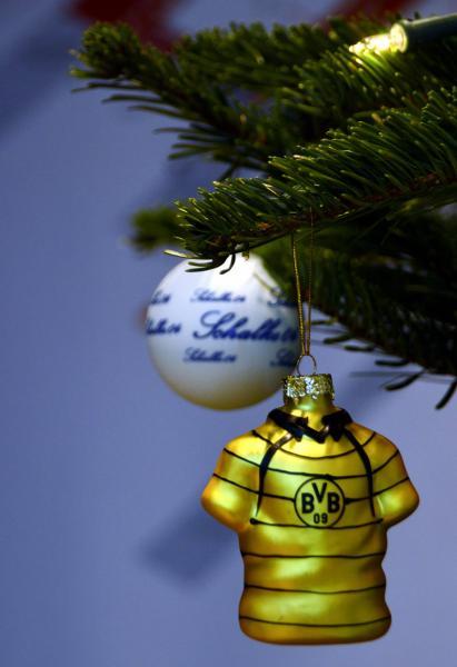 Bvb Weihnachtsbaum.Weihnachtsdeko In Schwarz Gelb Tag Des Herrn Katholische
